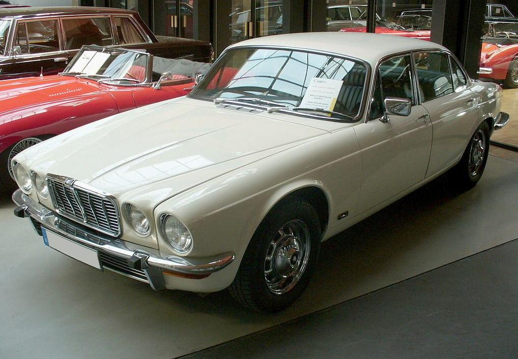 Jaguar XJ-Series #15