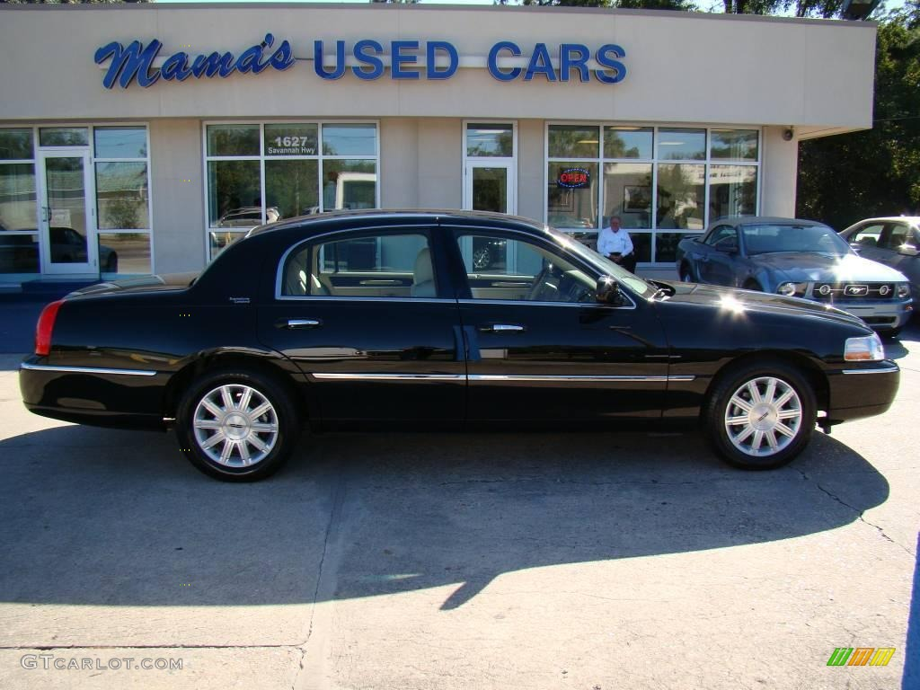 2008 Lincoln Town Car Information And Photos Zombiedrive