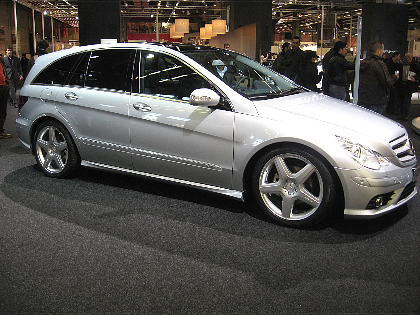 2008 mercedes benz r class information and photos zombiedrive. Black Bedroom Furniture Sets. Home Design Ideas