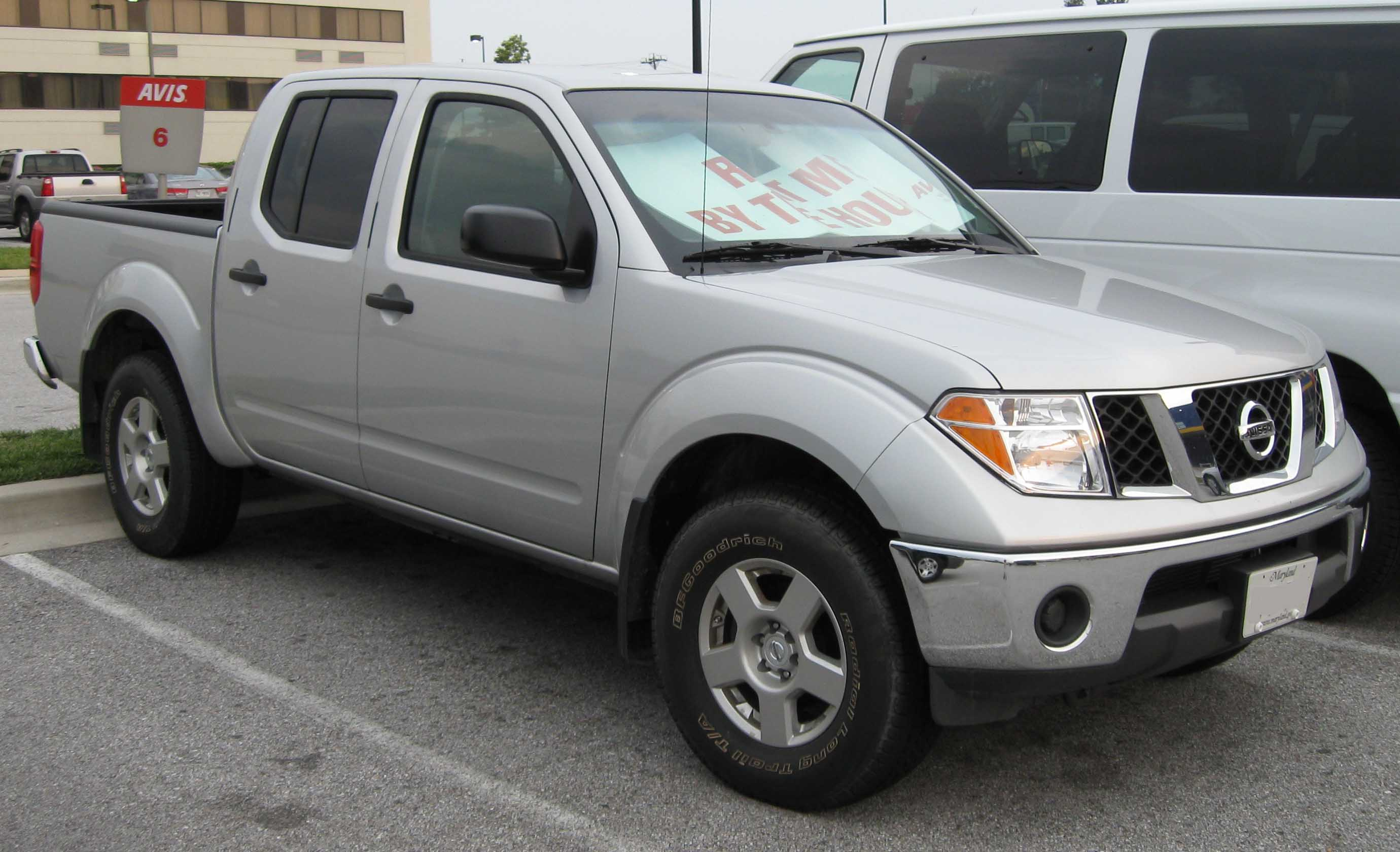 2008 Nissan Frontier Image 12
