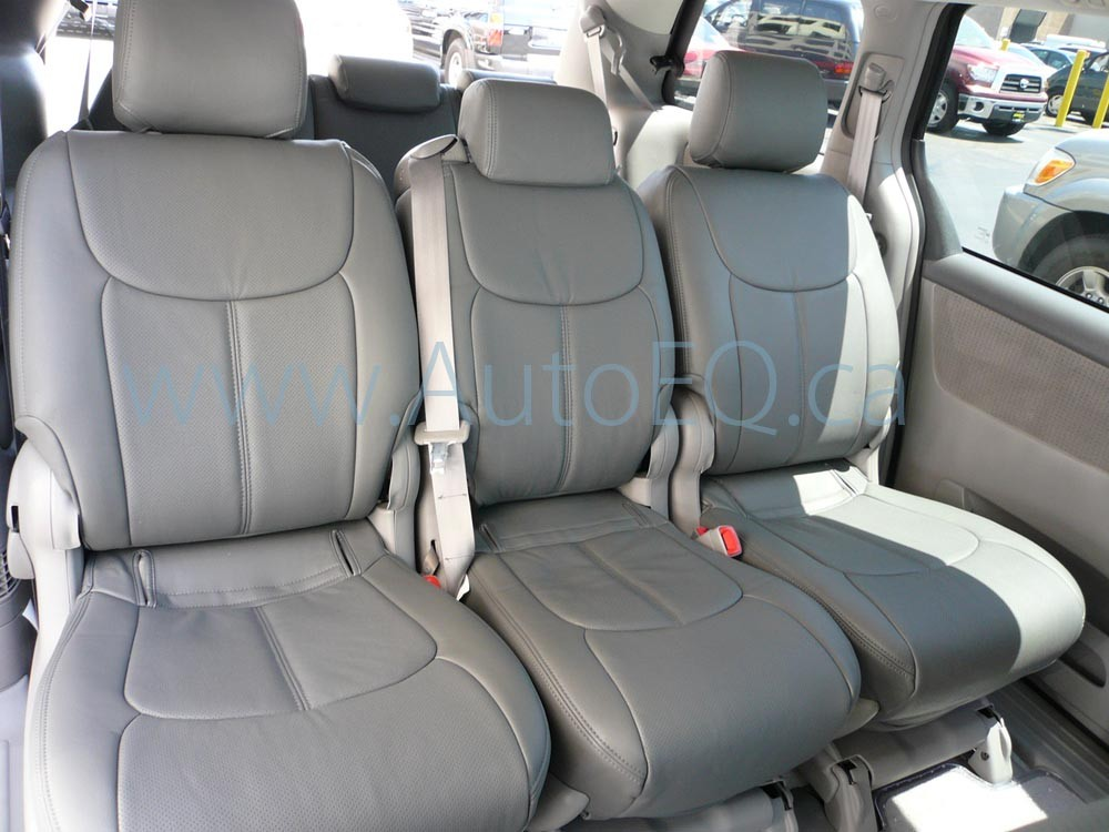 2008 Toyota Sienna  Information and photos  ZombieDrive