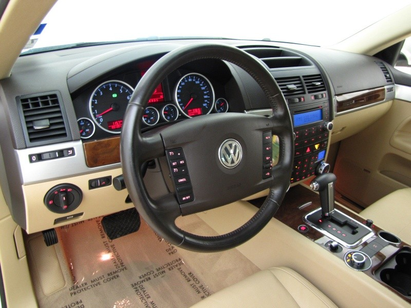 2008 Volkswagen Touareg 2 Image 15