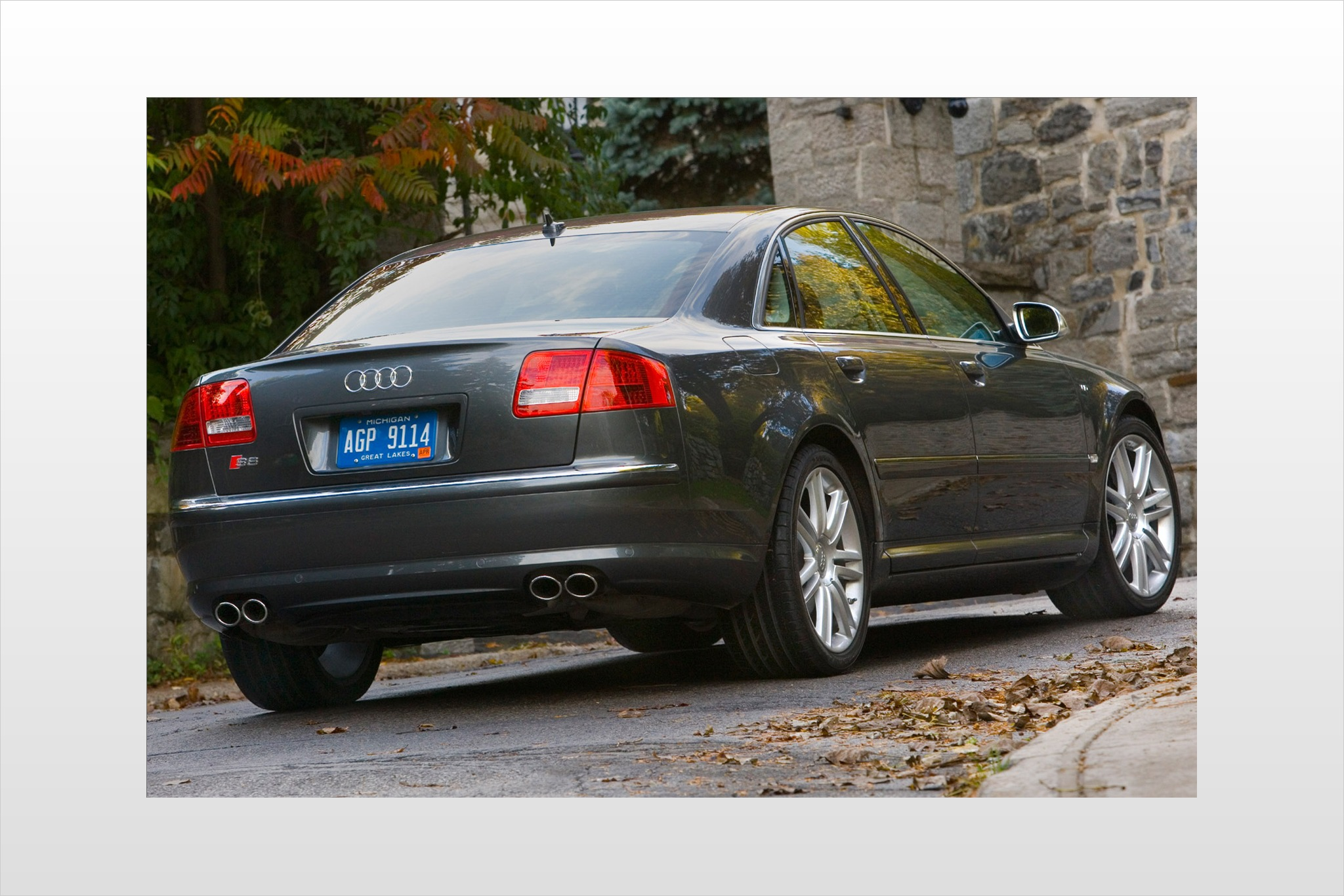 2008 Audi S8 Image 5