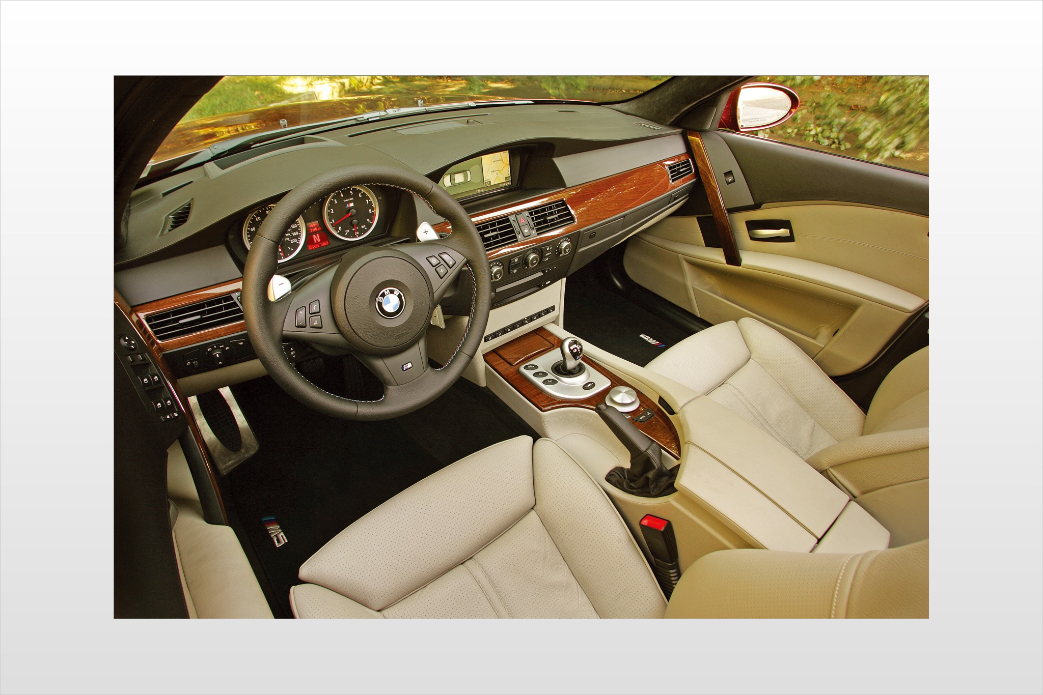 2008 BMW M5 Sedan Heads U interior #9