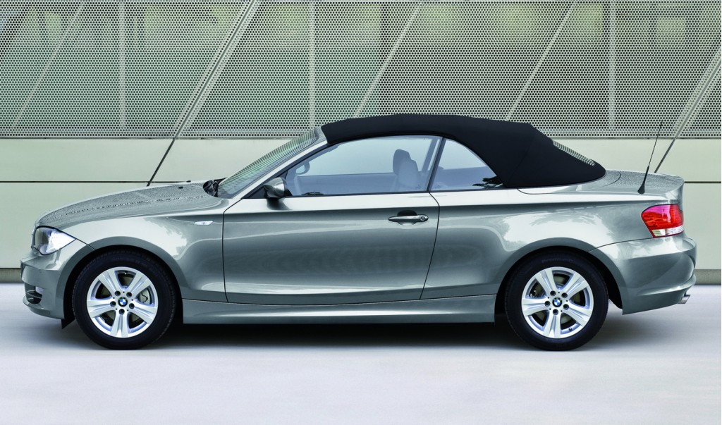 2009 bmw 1 series information and photos zombiedrive. Black Bedroom Furniture Sets. Home Design Ideas
