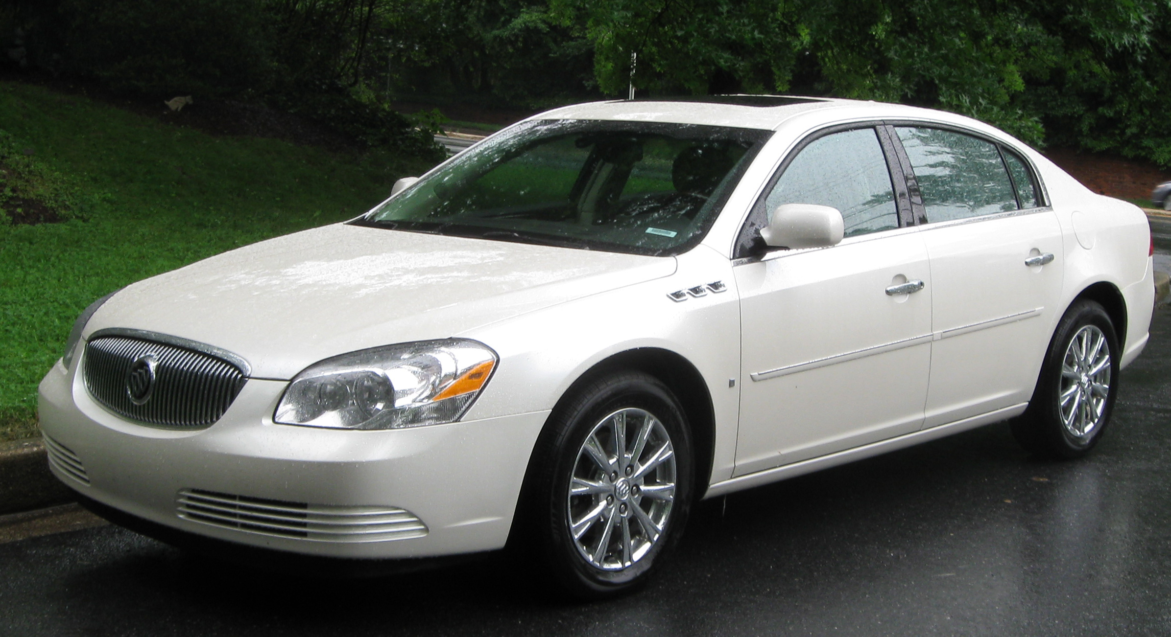 2009 Buick Lucerne - Information and photos - Zomb Drive