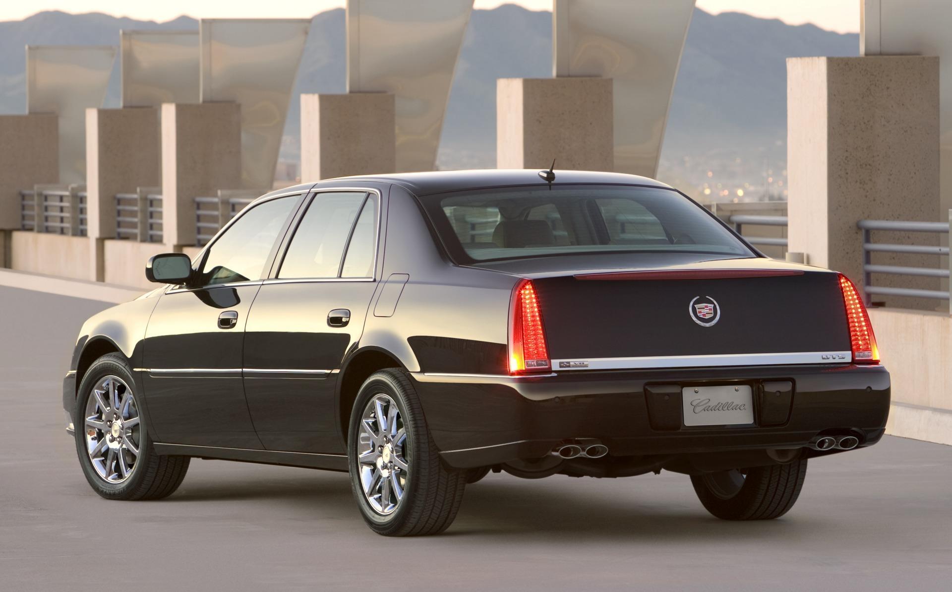 2009 Cadillac DTS - Information and photos - ZombieDrive
