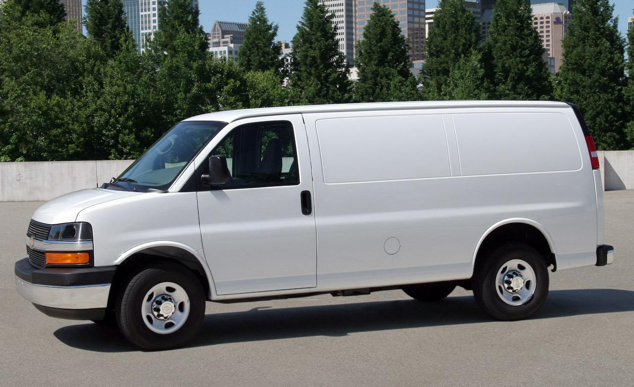 2009 chevrolet express image 4
