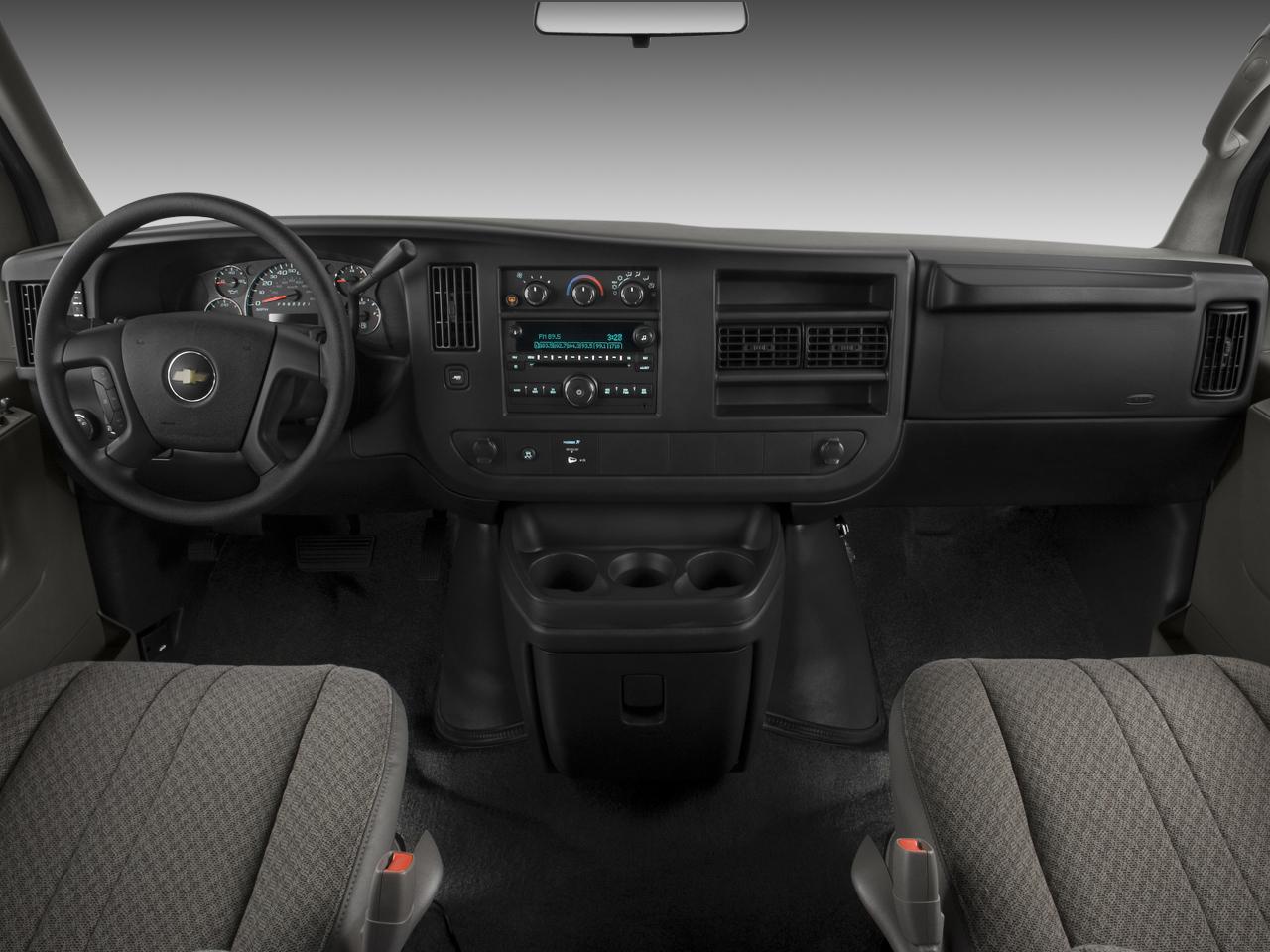 2009 Chevrolet Express 9