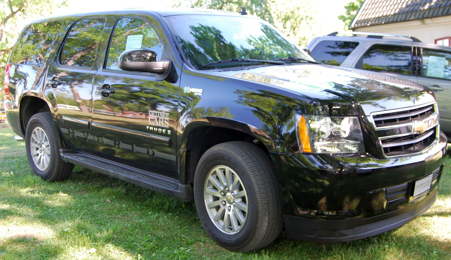 2009 Chevrolet Tahoe Hybrid  Information and photos  ZombieDrive