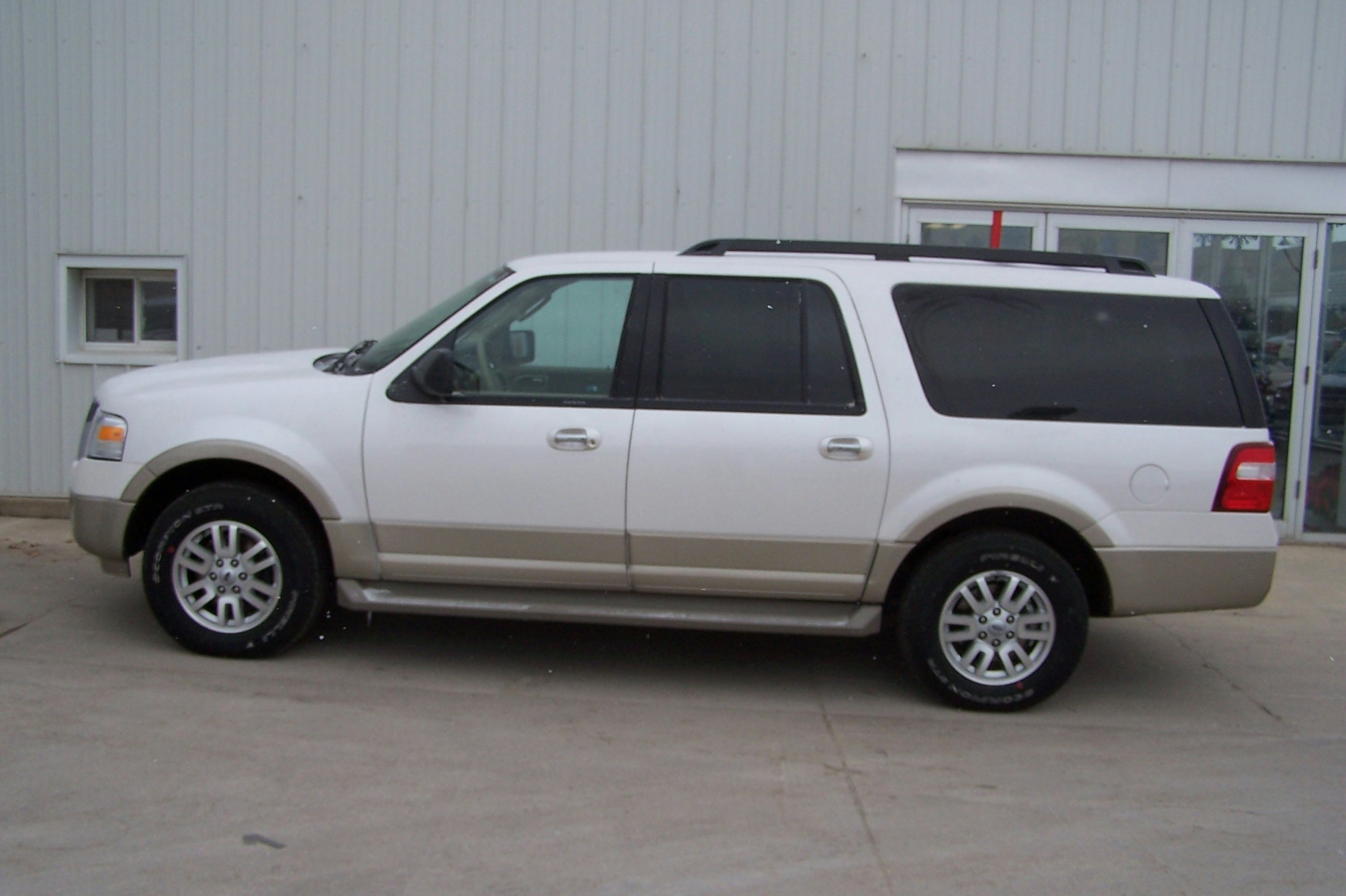 2009 Ford Expedition El Image 7