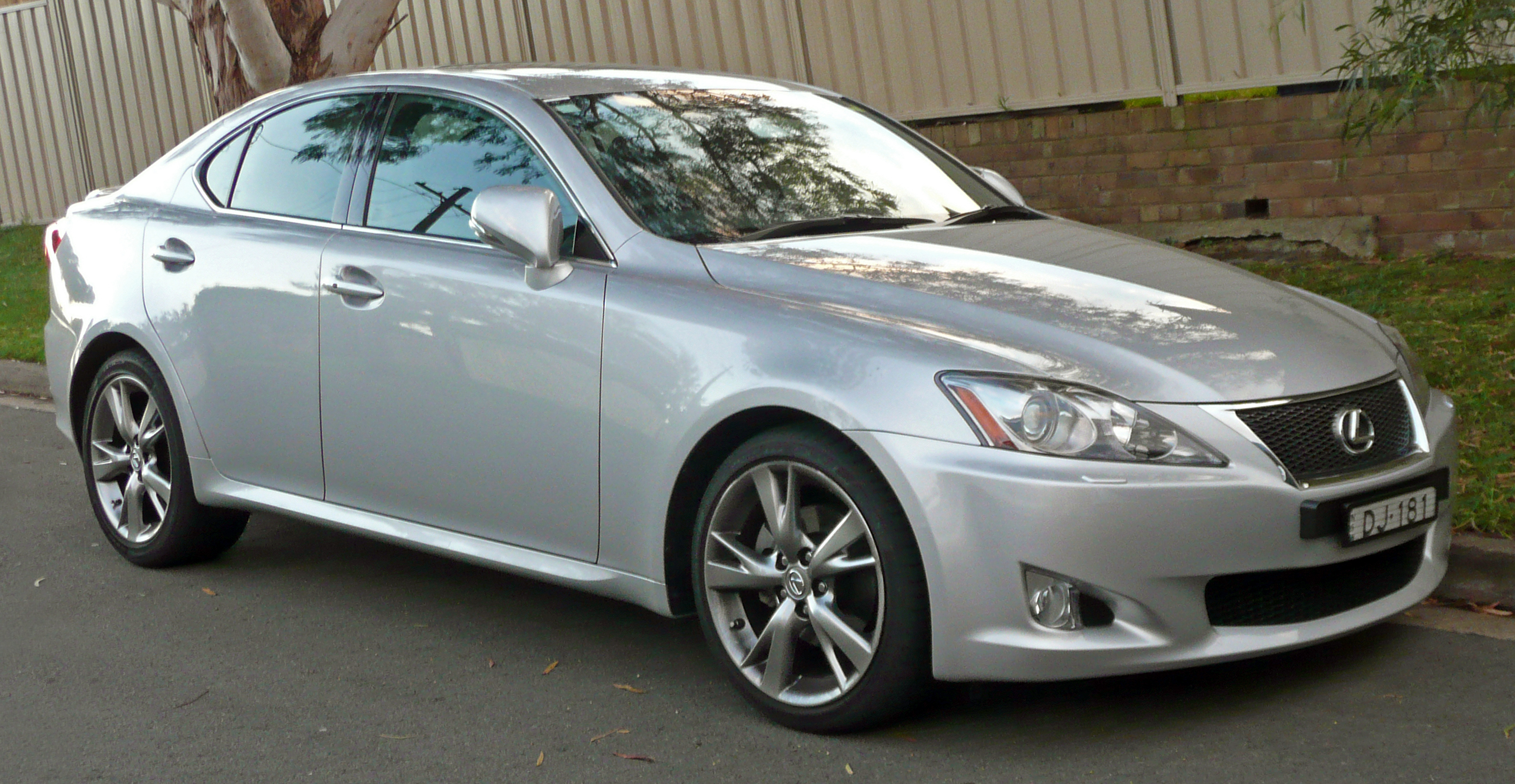 2009 lexus is 250 information and photos zombiedrive. Black Bedroom Furniture Sets. Home Design Ideas
