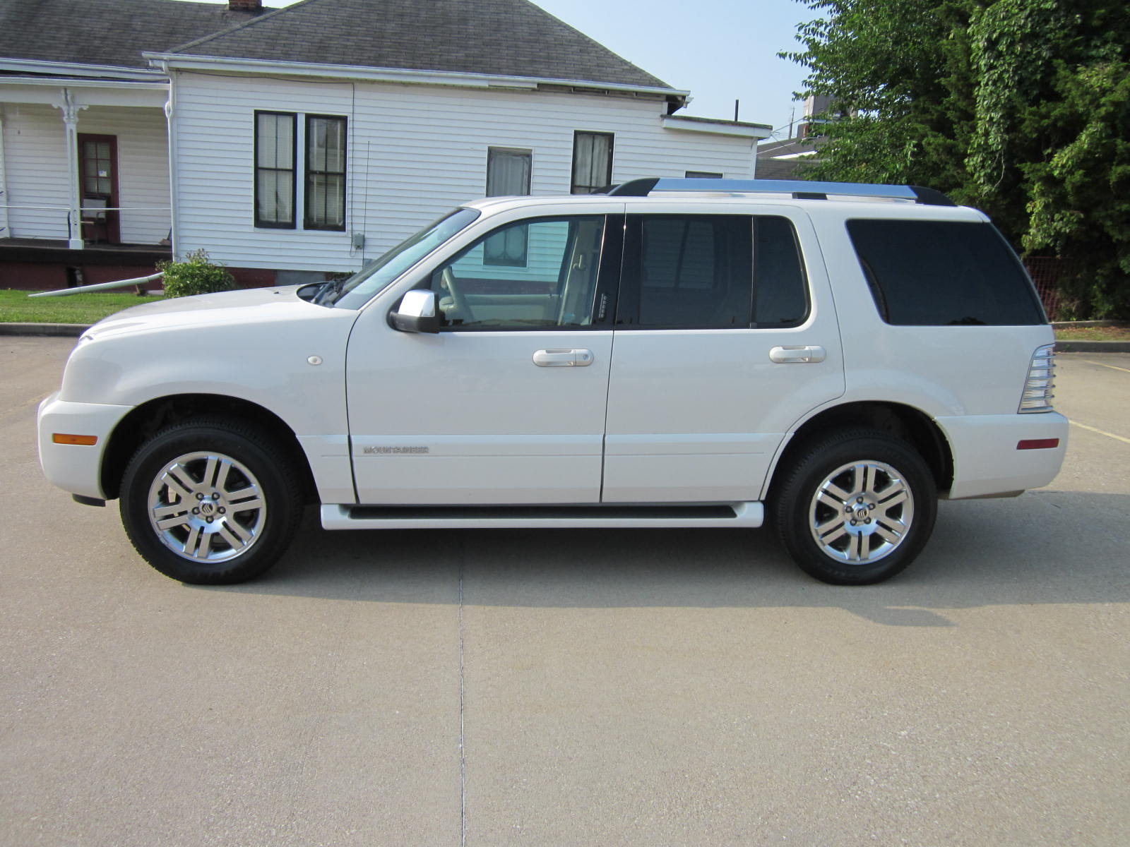 Mercury Mountaineer #8