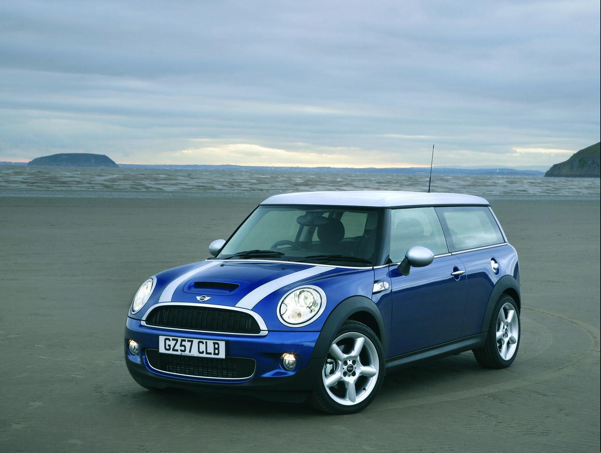 2009 mini cooper clubman blue 200 interior and exterior images. Black Bedroom Furniture Sets. Home Design Ideas