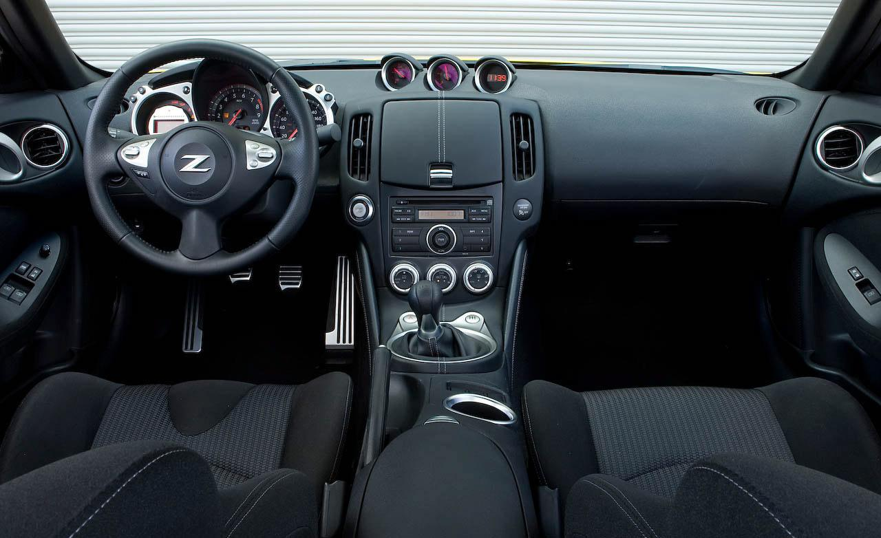 2009 Nissan 370z Image 16