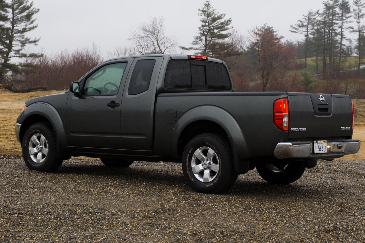 2009 nissan frontier image 7