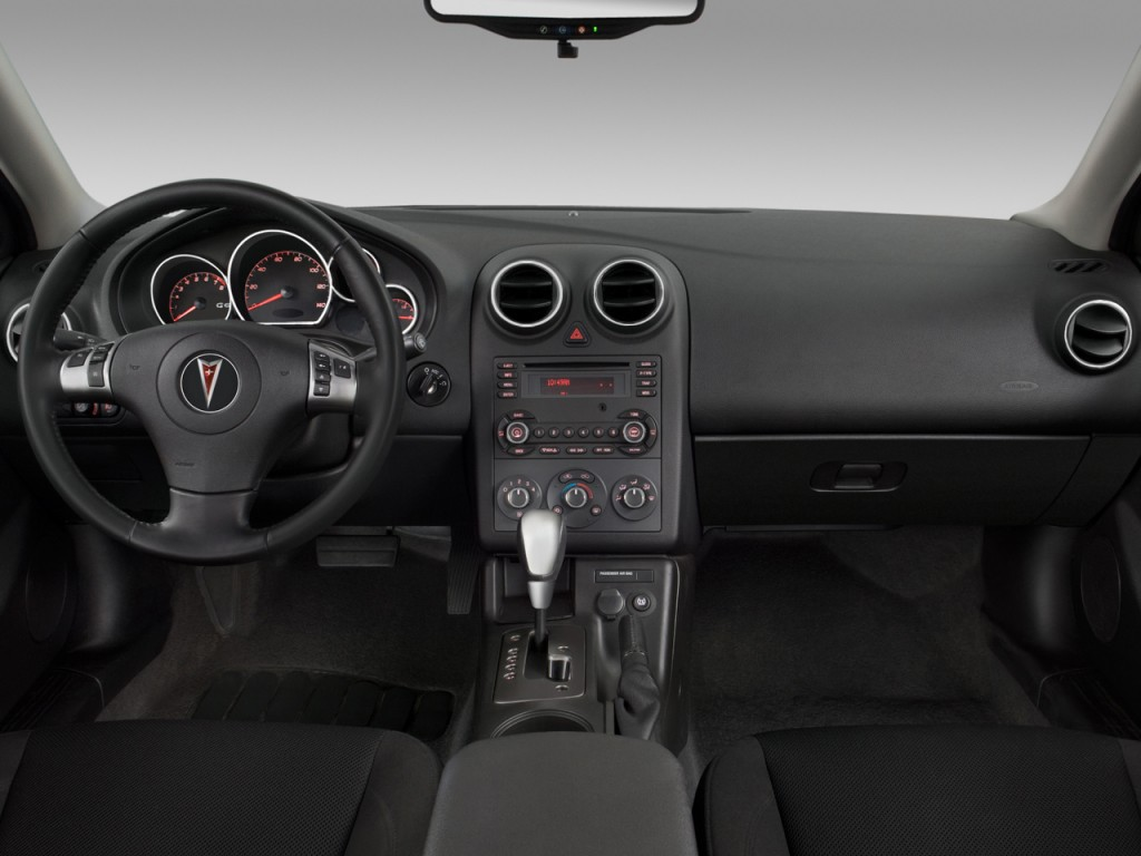2009 Pontiac G6 Image 12