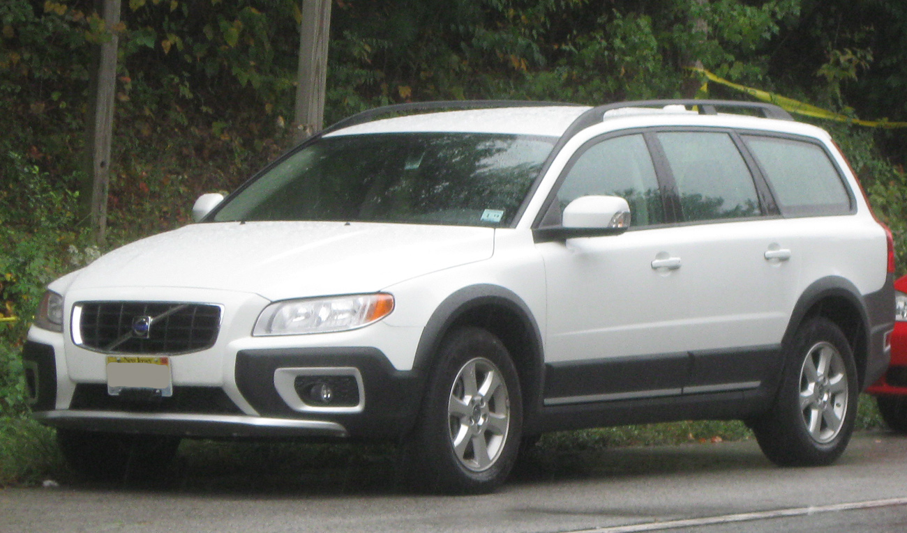 2009 Volvo XC70 - Information and photos - ZombieDrive