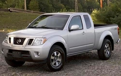 2010 Nissan Frontier Image 2