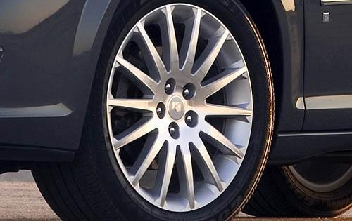 2009 Saturn Aura XR Wheel exterior #4