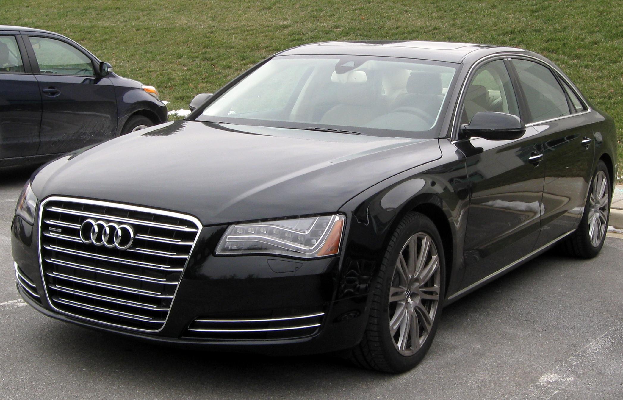 2010 Audi A8 Image 12