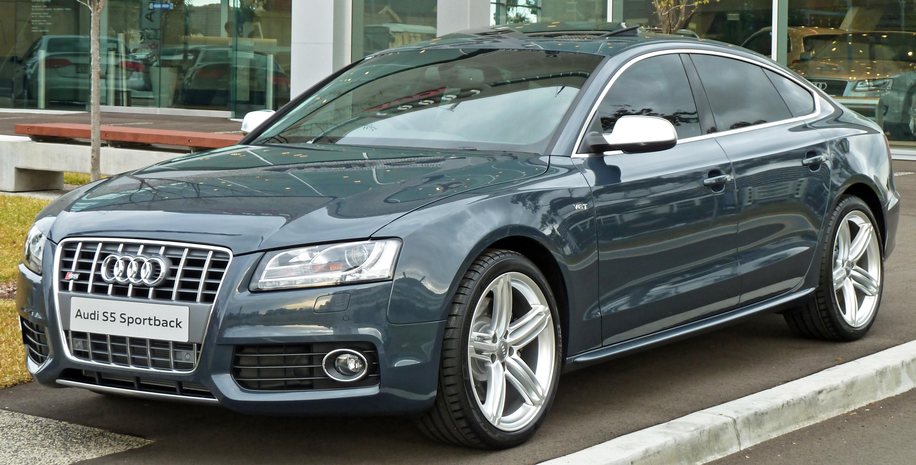 2010 Audi S5 Image 12