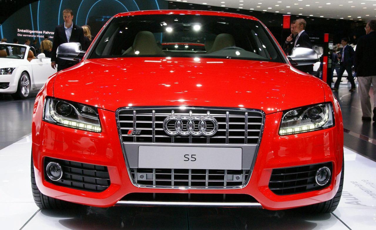2010 Audi S5 Image 10