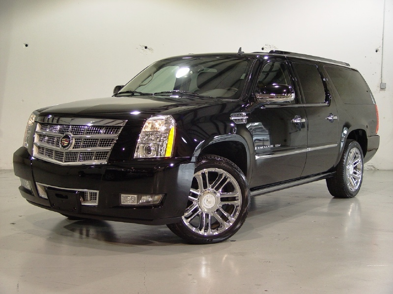2010 Cadillac Escalade ESV - Information and photos - ZombieDrive