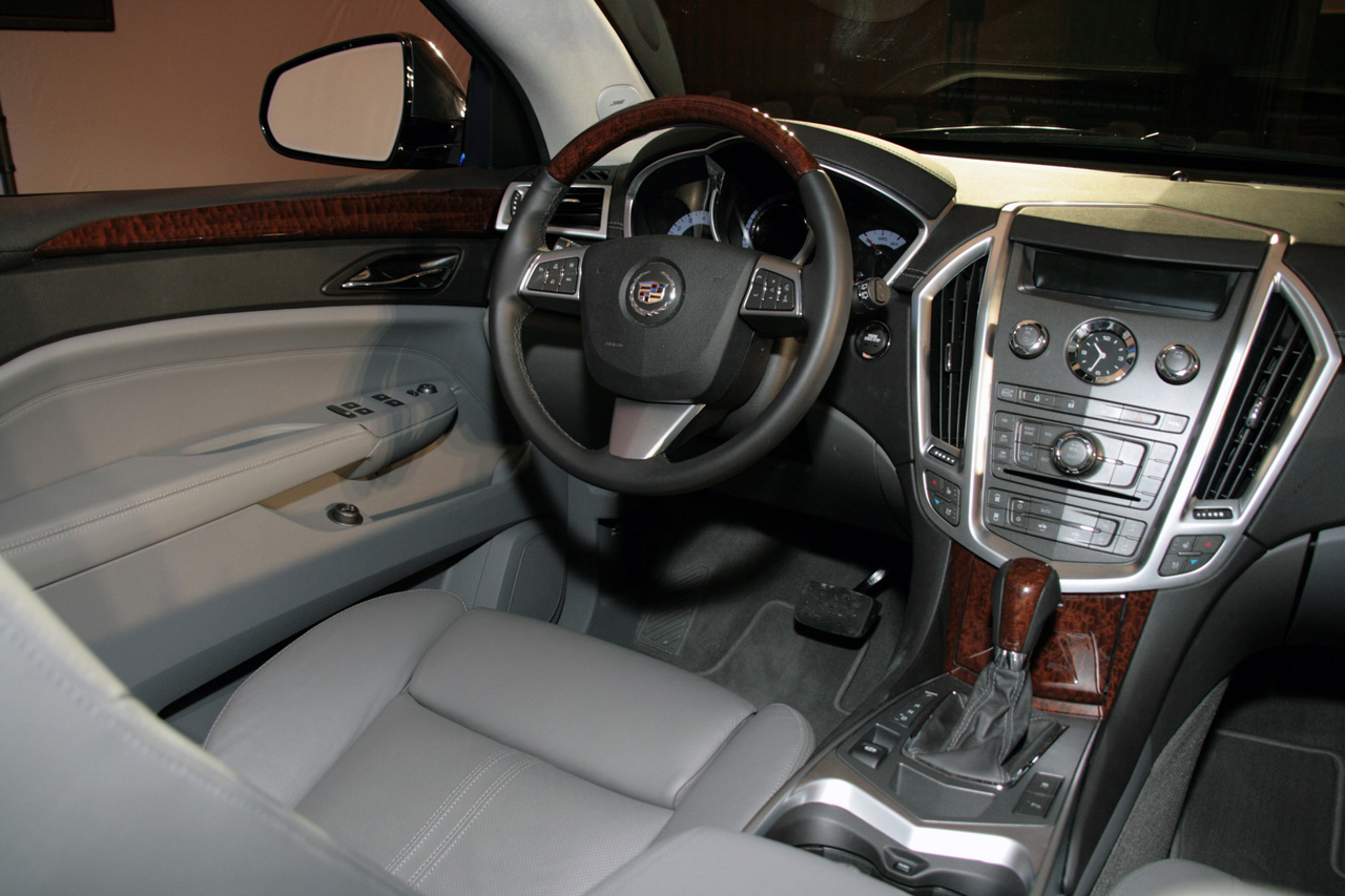 used luxury srx ga collection cadillac alm awd detail at roswell