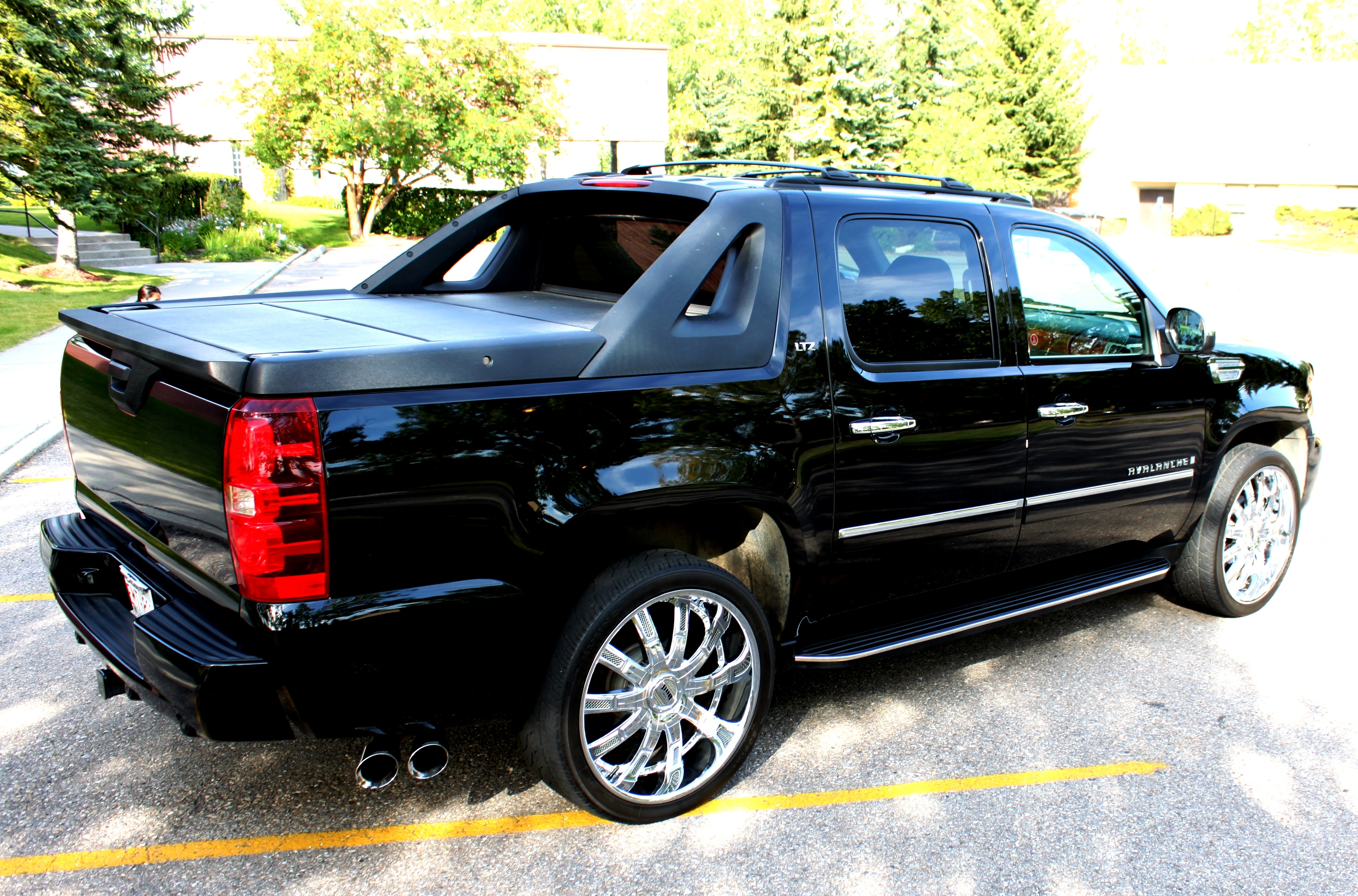 2009 Chevrolet Avalanche Parts and Accessories  amazoncom