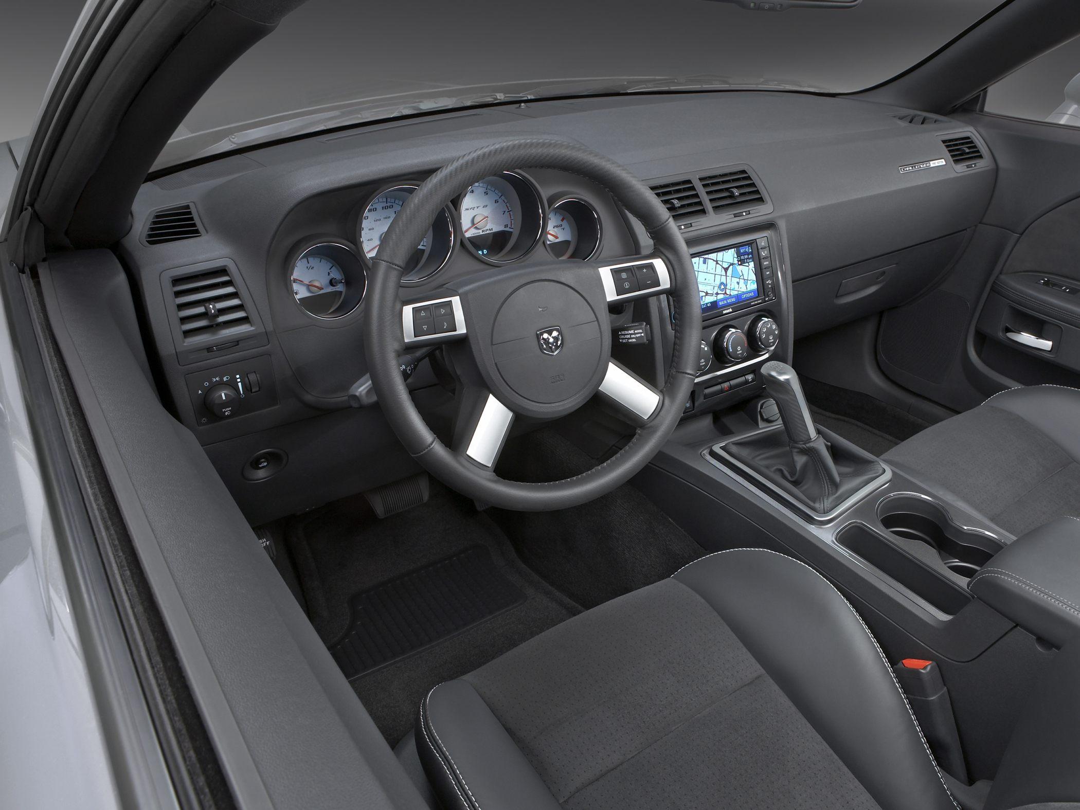 2010 Dodge Challenger Image 15