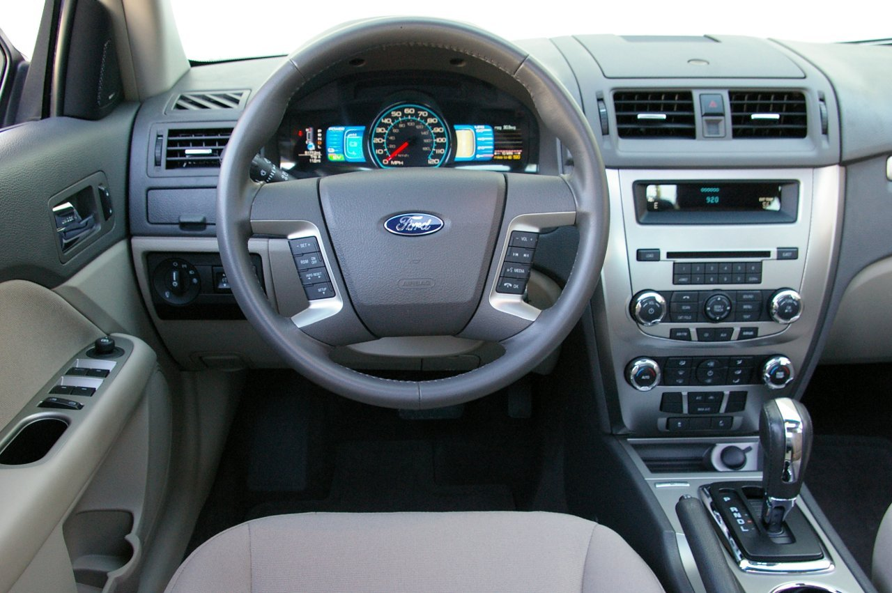 2010 Ford Fusion Image 14