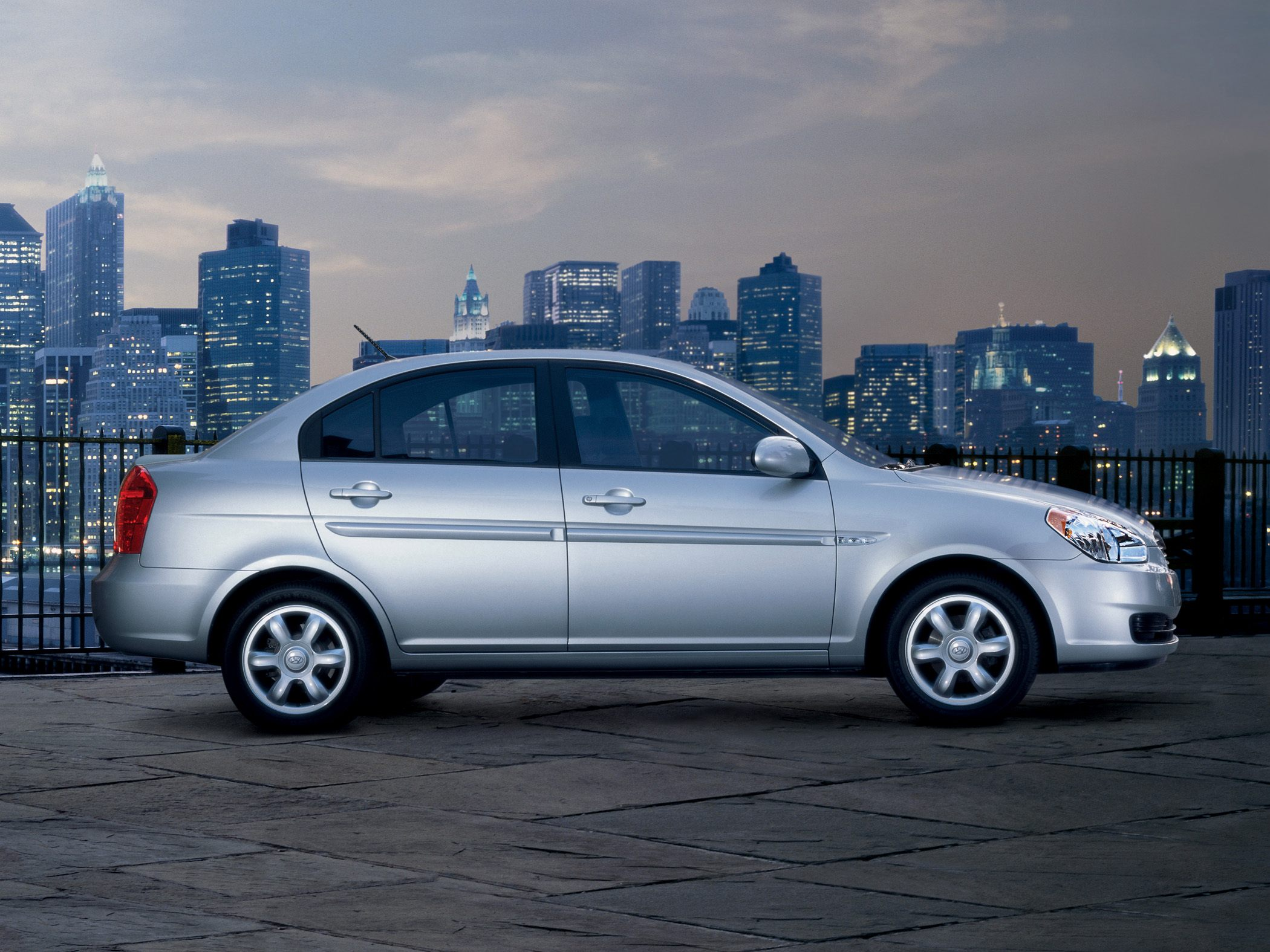 2010 Hyundai Accent - Information and photos - Zomb Drive