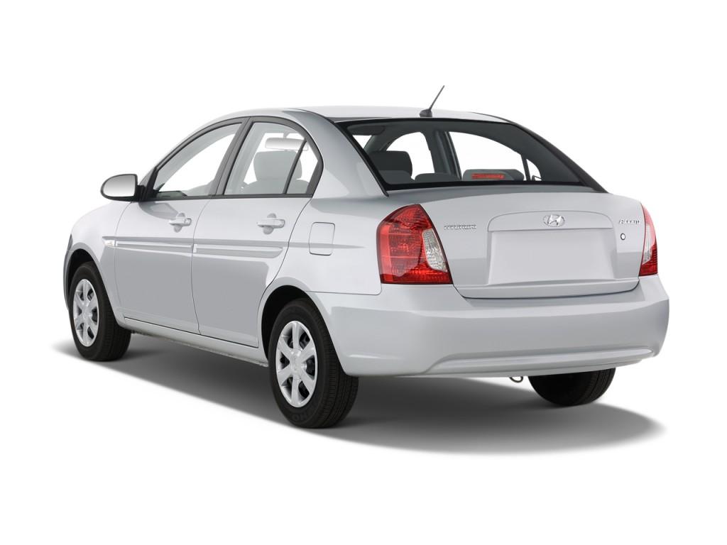 2010 Hyundai Accent Image 15