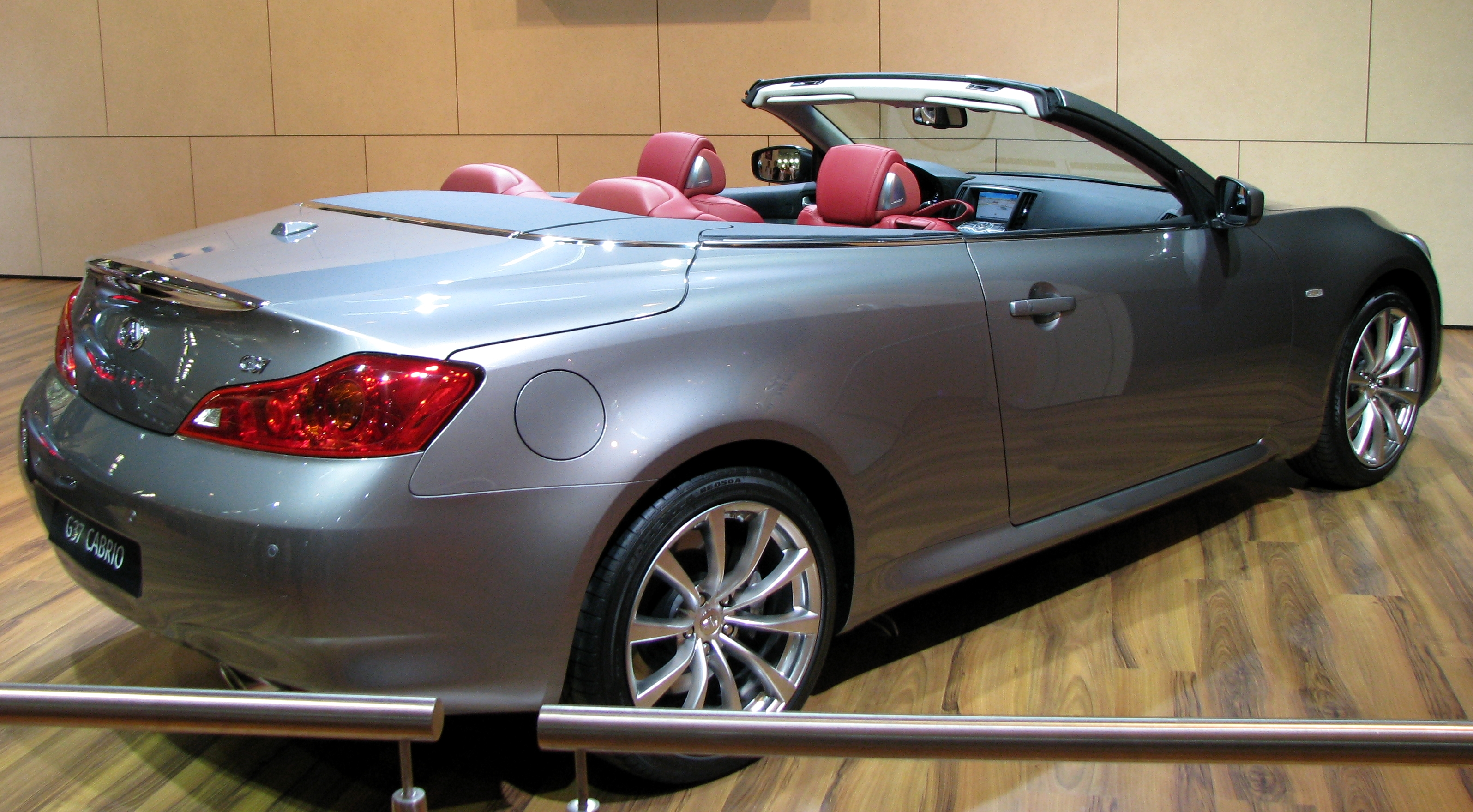 2010 infiniti g37 convertible information and photos zombiedrive. Black Bedroom Furniture Sets. Home Design Ideas