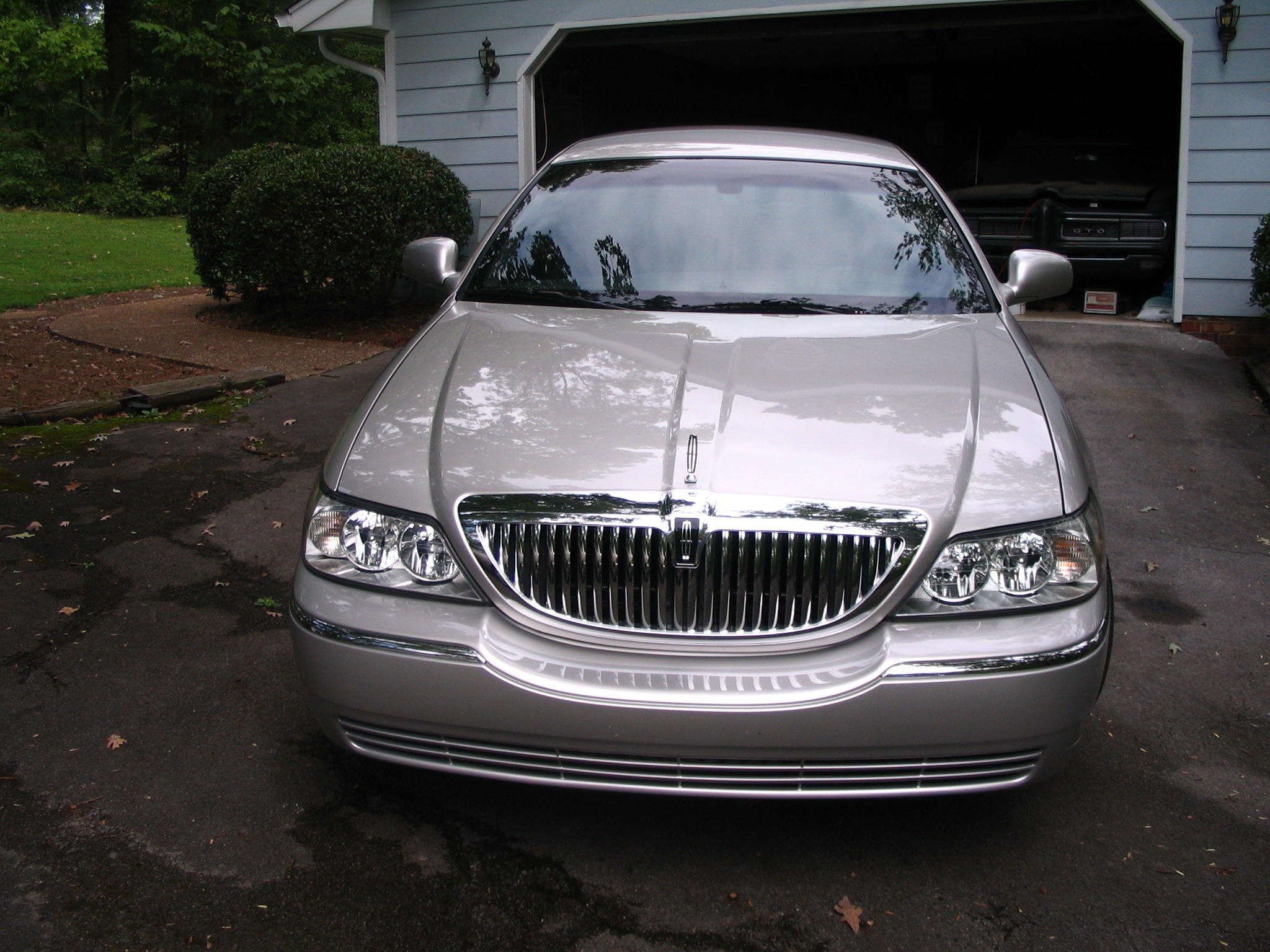 ga sale car town htm lincoln signature commercial for used cleveland sedan l