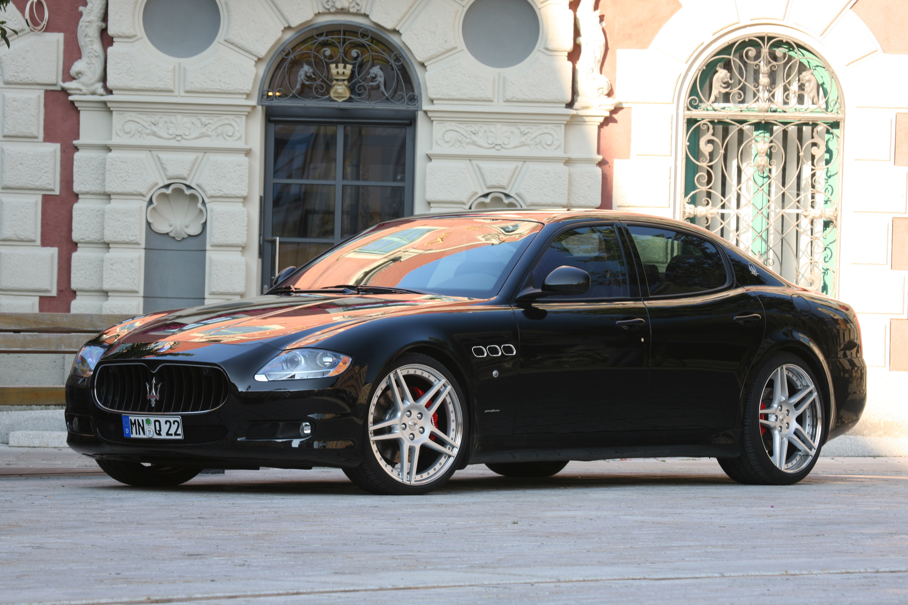 2010 maserati quattroporte information and photos. Black Bedroom Furniture Sets. Home Design Ideas