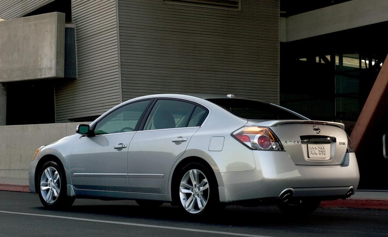2010 nissan altima information and photos zombiedrive. Black Bedroom Furniture Sets. Home Design Ideas