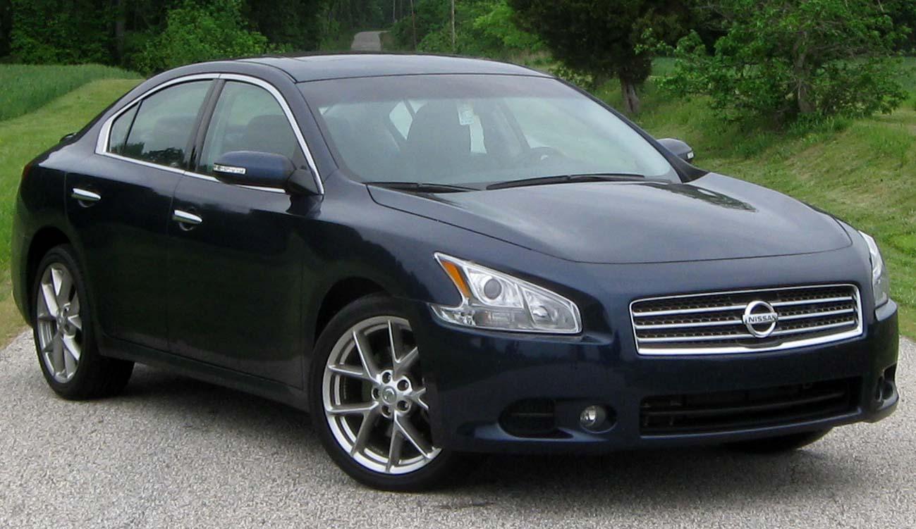 2010 Nissan Maxima  19...