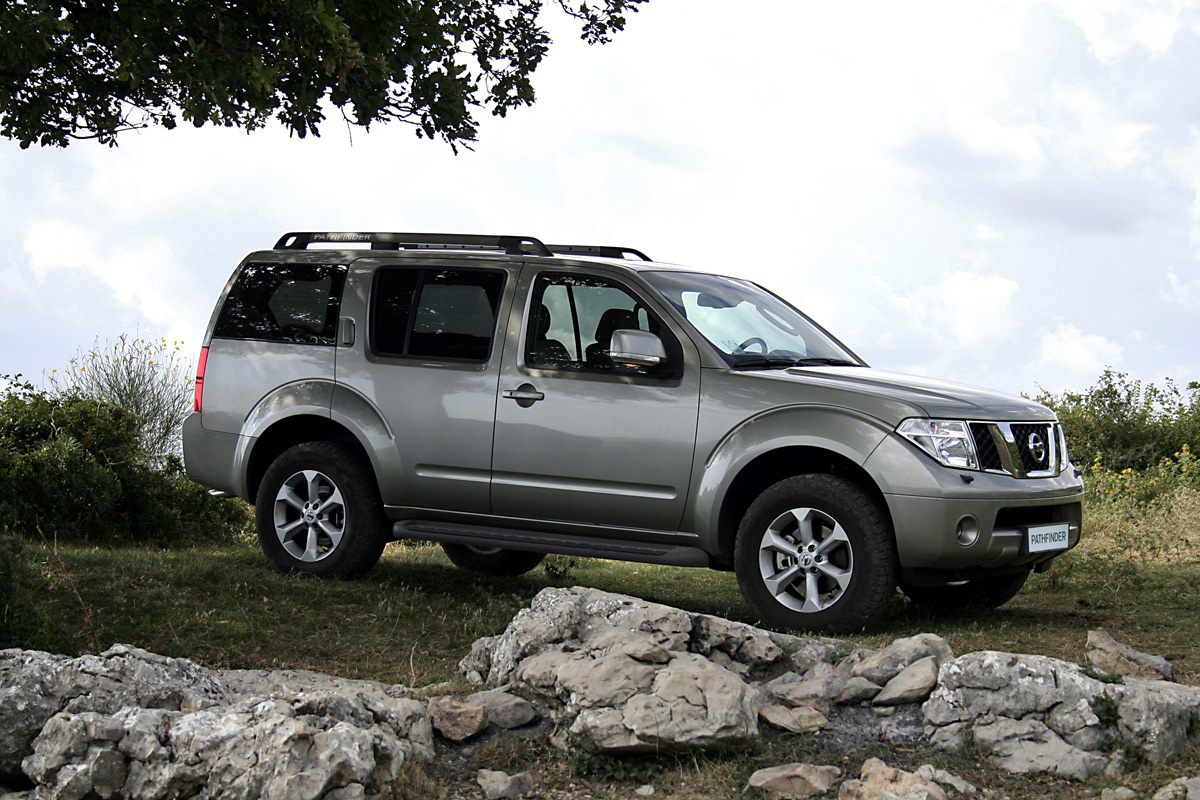 2010 nissan pathfinder information and photos zombiedrive 2010 nissan pathfinder 15 nissan pathfinder 15 vanachro Choice Image