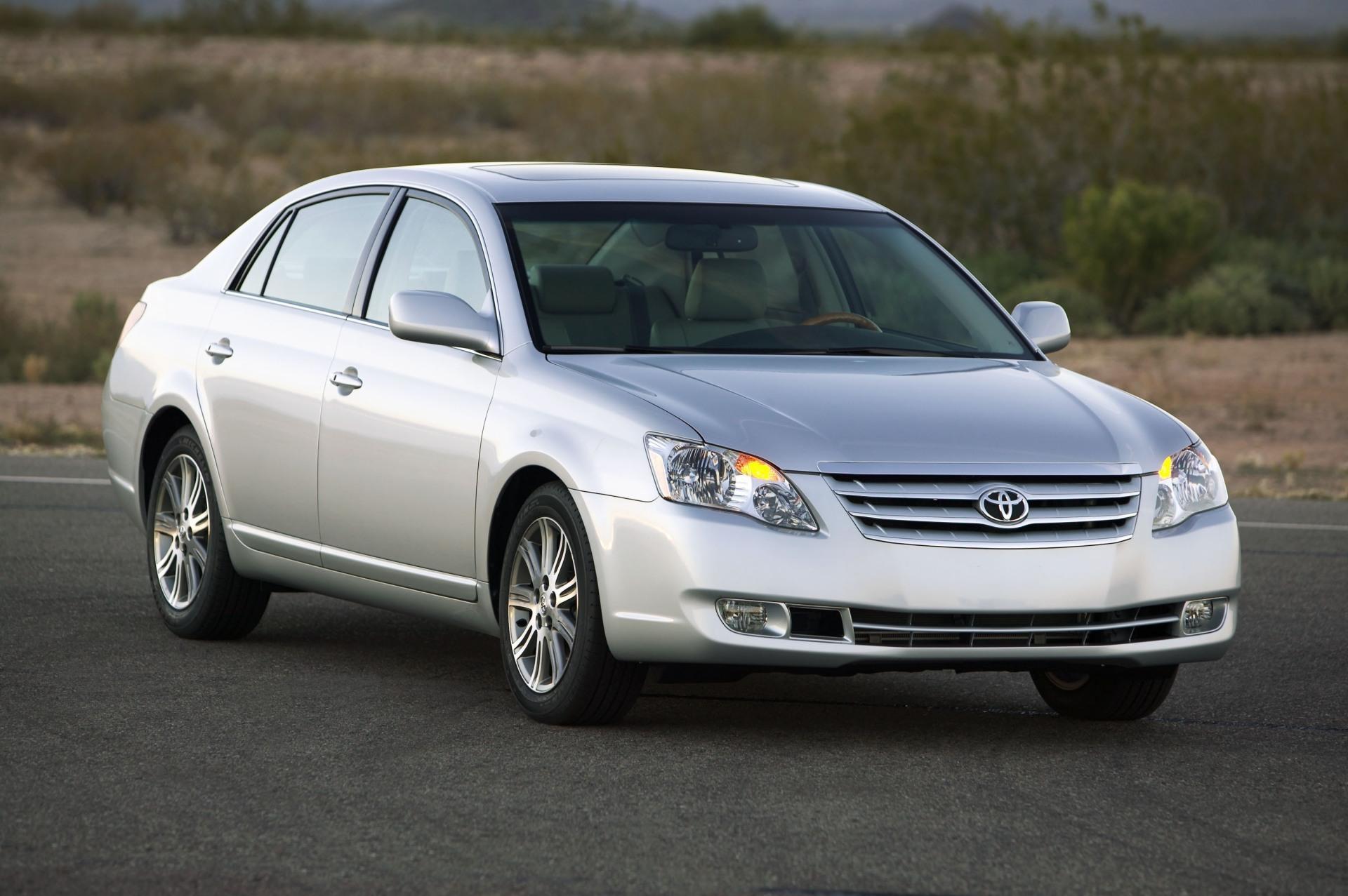 2010 Toyota Avalon Image 16