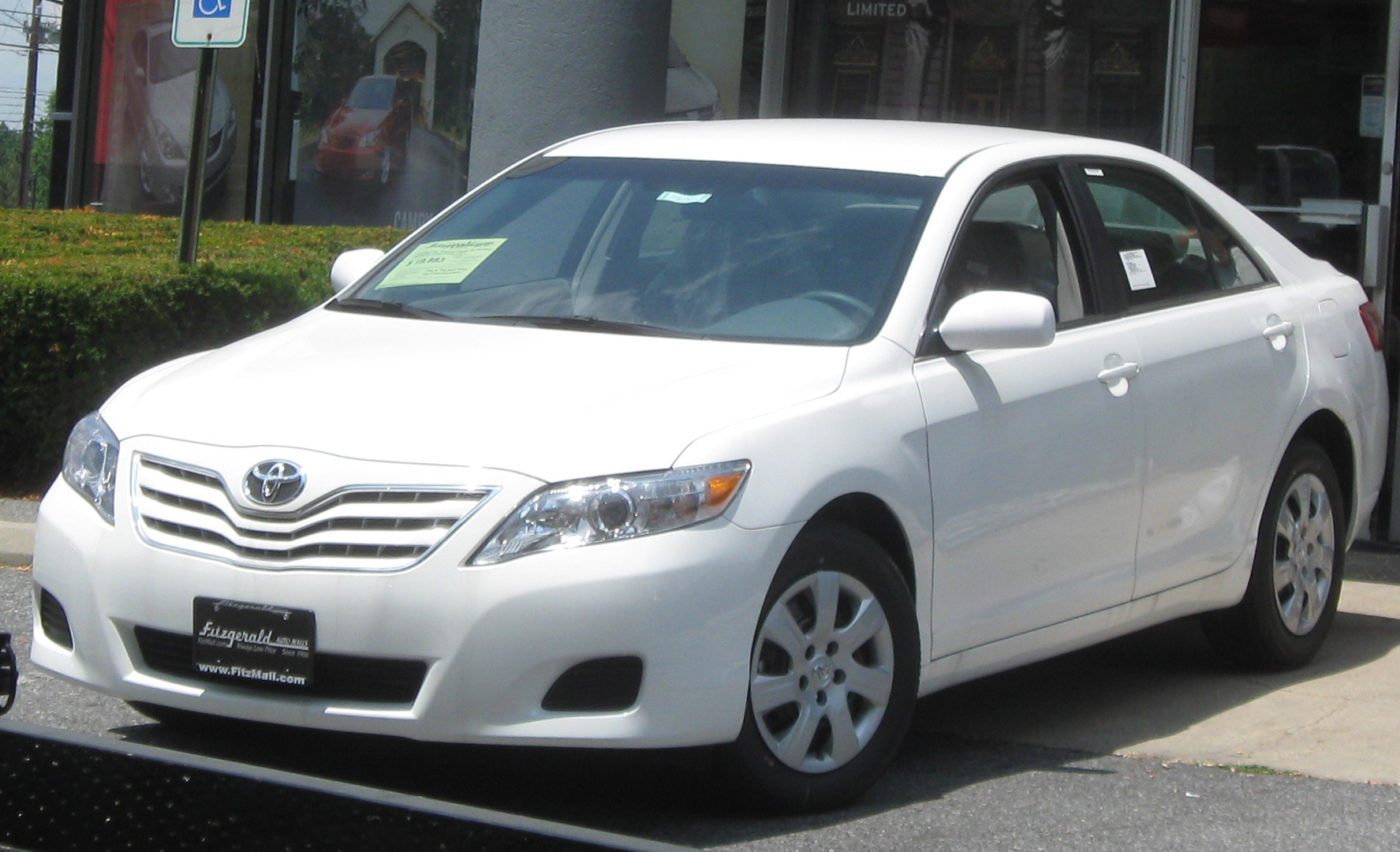 2010 Toyota Camry Se 2010 Toyota Camry Information And Photos Zombiedrive