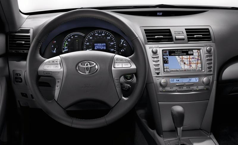 2010 Toyota Camry Image 14