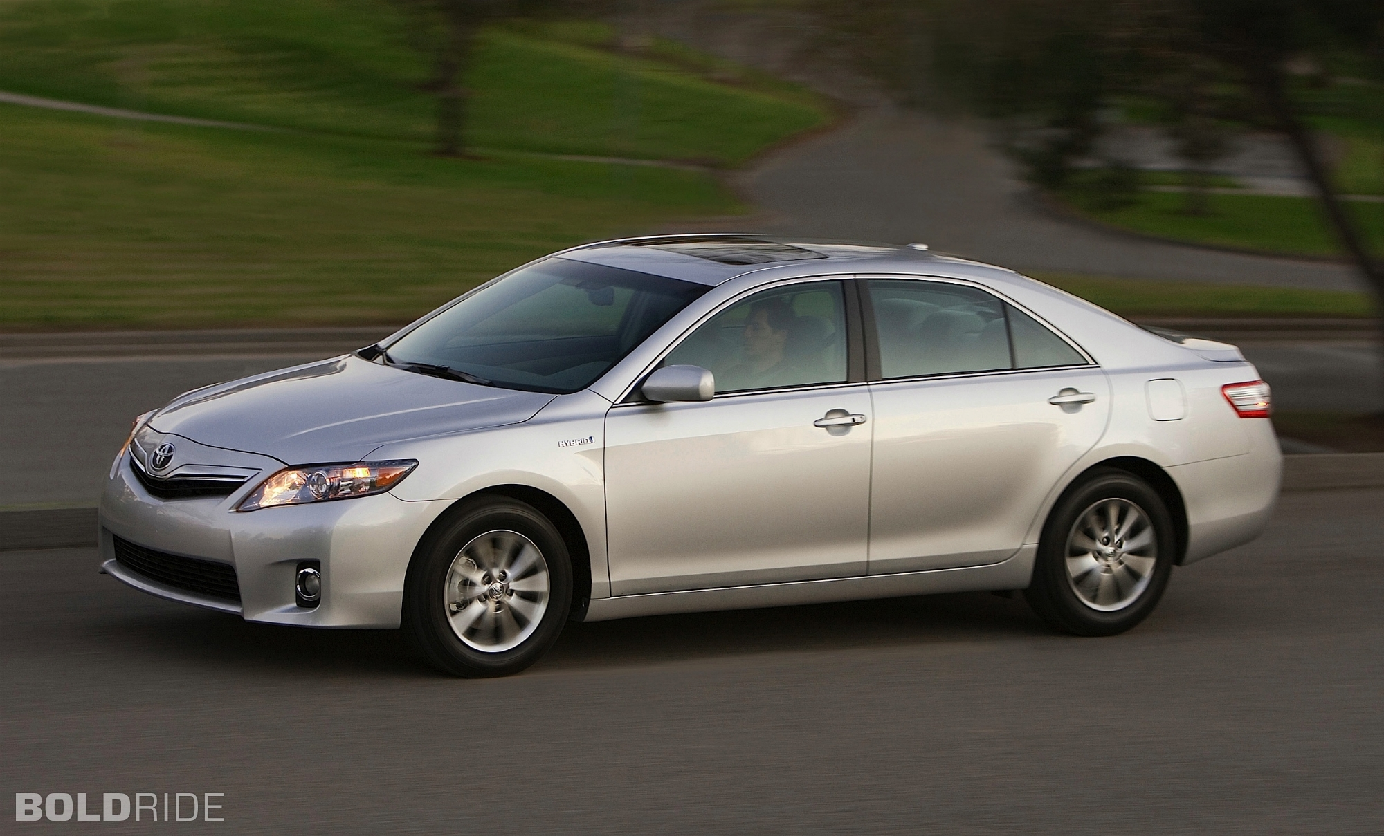 2014 cost of ownership camry vs camry hybrid html