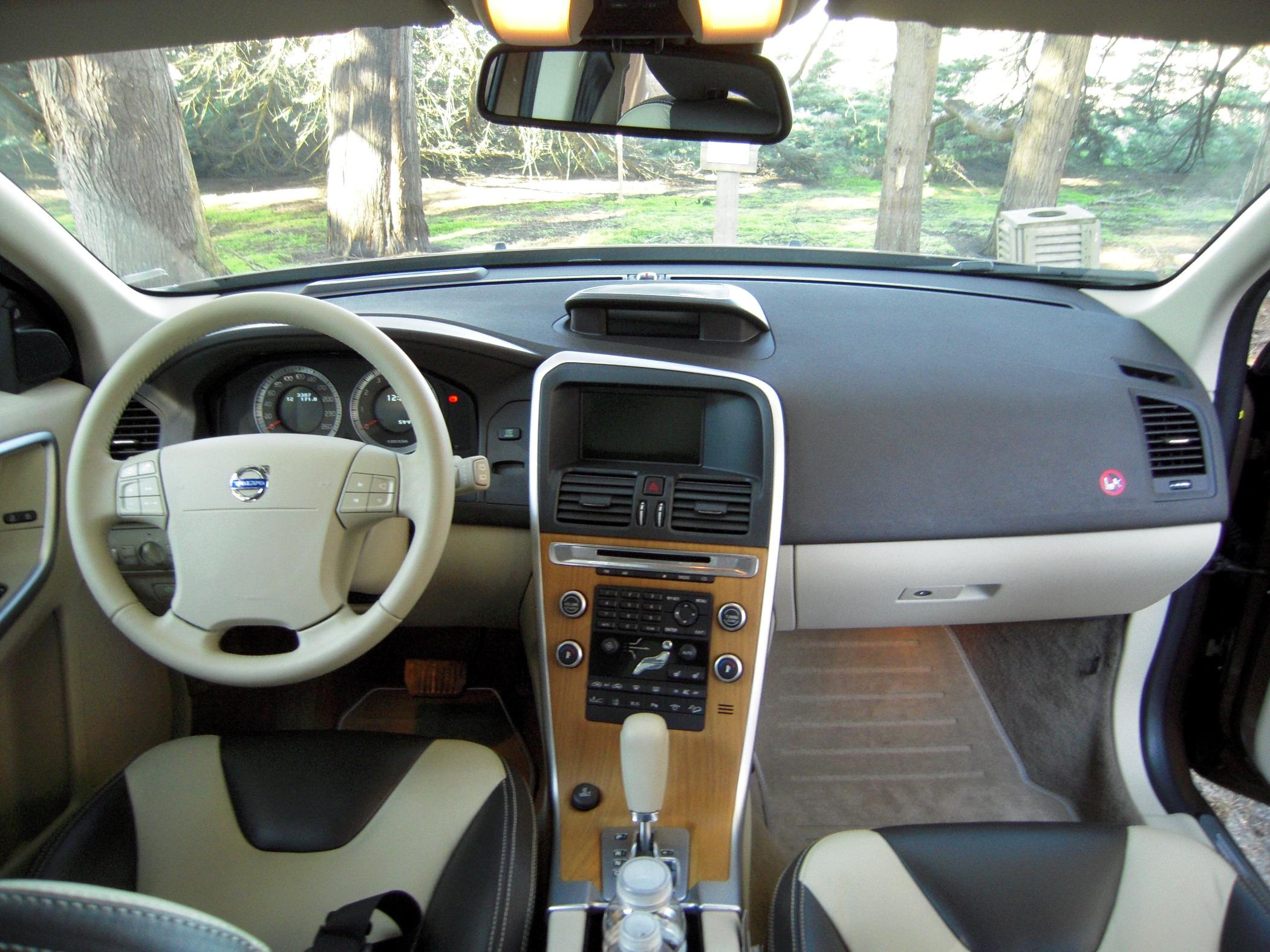 2010 Volvo Xc60 Image 17