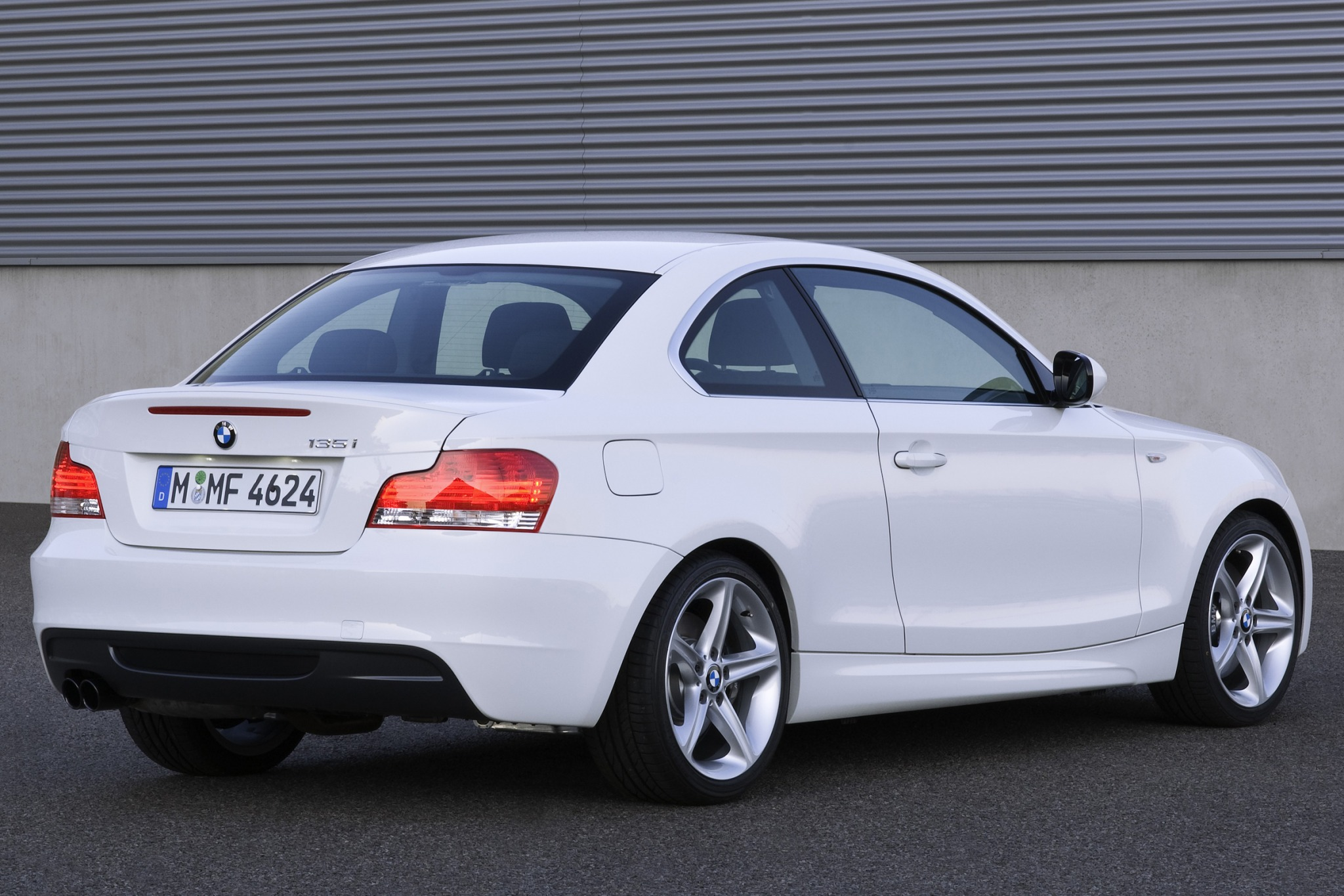 2010 BMW 1 Series 135i Co exterior #4