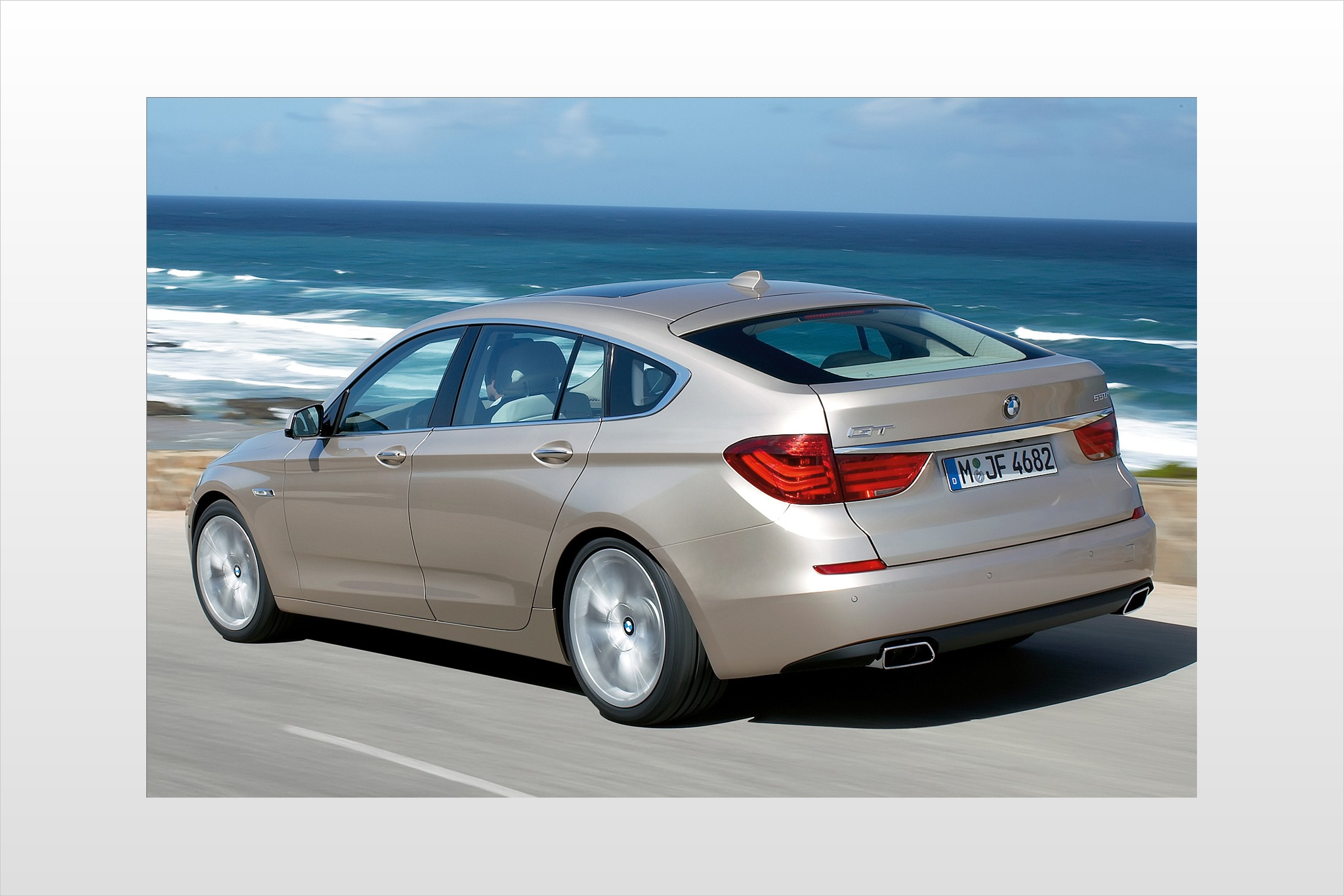 2010 BMW 5 Series Gran Tu interior #4