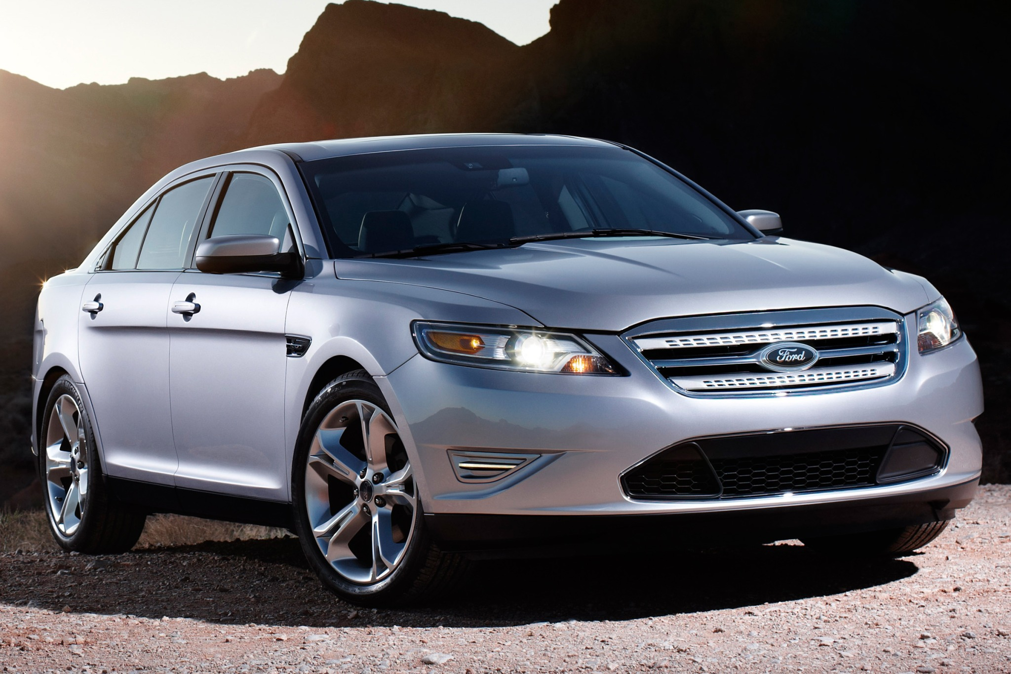2010 Ford Taurus Limited  exterior #3