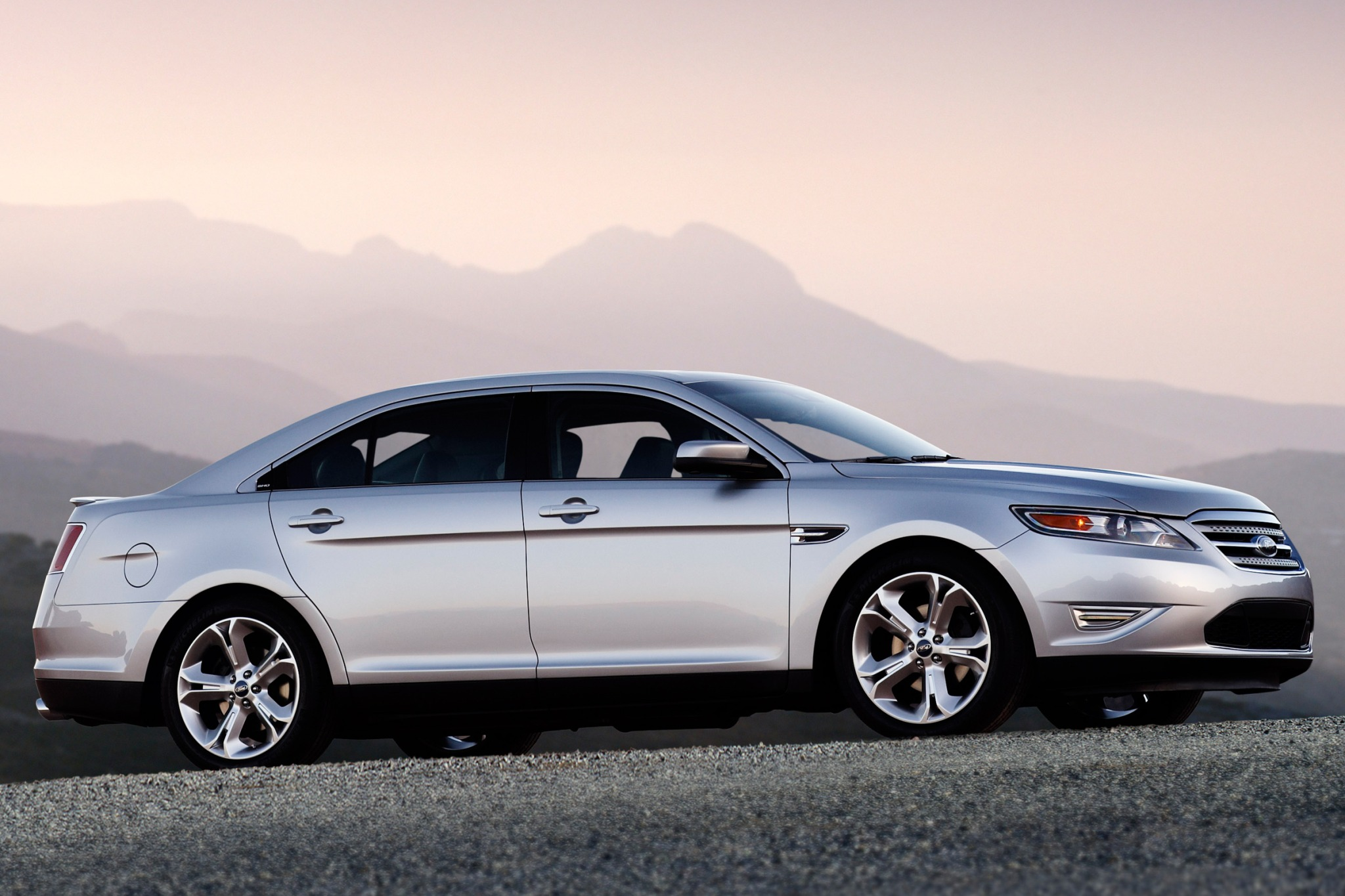 2010 Ford Taurus Limited  exterior #4