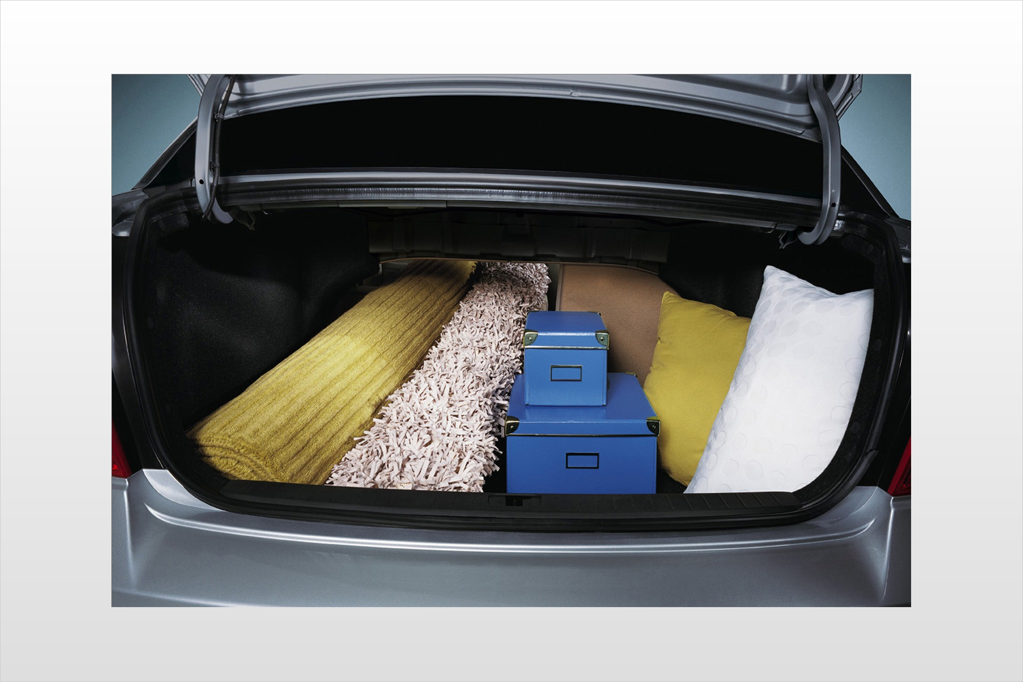 2010 Hyundai Accent Information And Photos Zombiedrive 4 Door Sedan 9 Gls S Interior